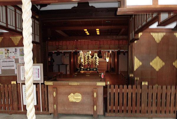 車折神社・本殿