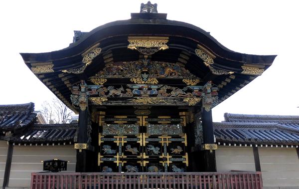 西本願寺・唐門